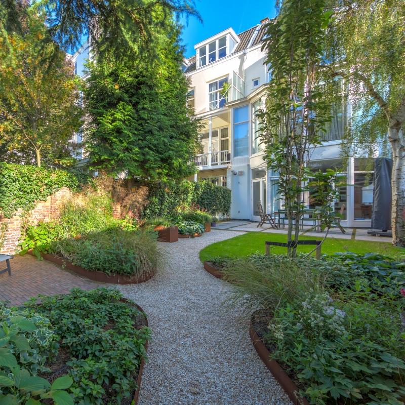 Tuinrenovatie luxueuze stadstuin Den Haag